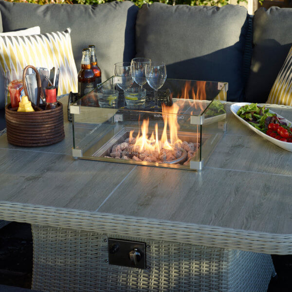 fire_pit_table_close_up_with_condiments