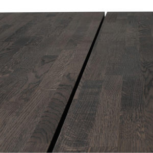 Valencia Smokey Oak Dining Table Close Up Of Central Divide Close Up Of Grain