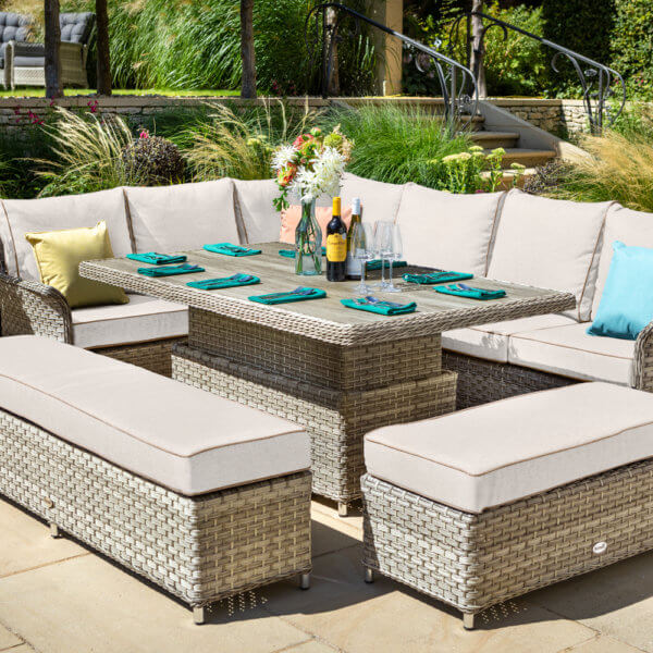 Light_brown_and_cream_garden_fiurniture_in_sunshine_with_fully_made_table